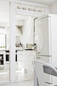aranżacje salonu białe meble