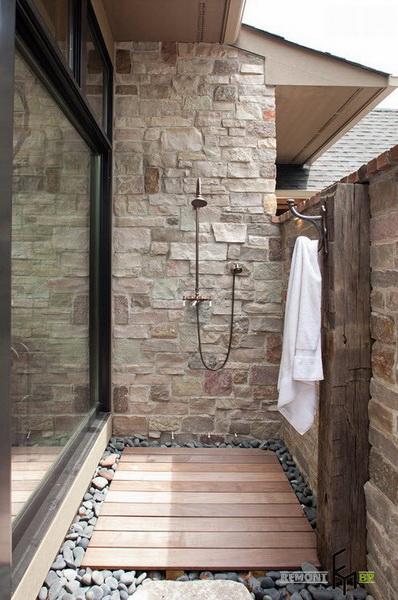 prysznic ogrodowy drewniany