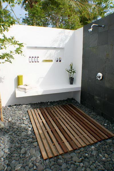 solarne prysznice ogrodowe